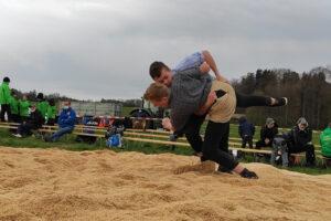 Ottenberger im Einsatz am Frühjahrsschwingfest